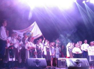 На святкування у Винники завітали делегації з Маріуполя, Польщі та Сербії